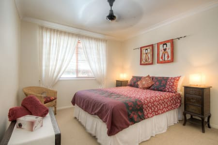 Oriental Comfort at Mooloolaba. - Mooloolaba - Bed & Breakfast