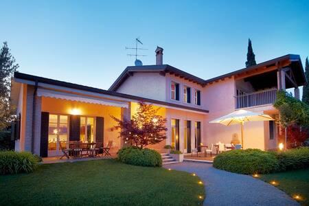 Villa Archi in Valpolicella valley. - Corrubbio