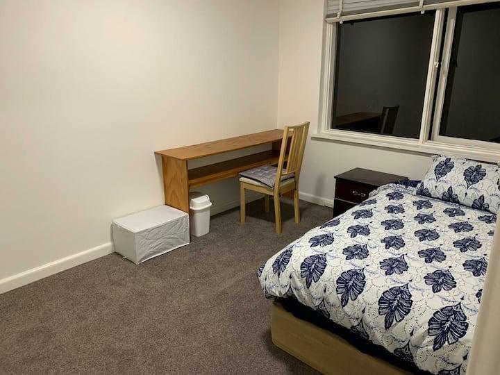 Nice and comfortable room close to St kilda