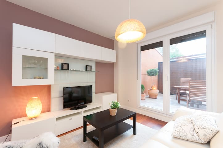 Cosy flat with terrace near subway - Madrid - Apartment