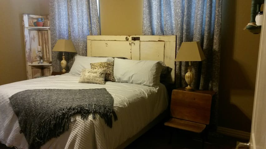 Bed & Breakfast Located above Sugar Ridge Winery - Sanger - Szoba reggelivel