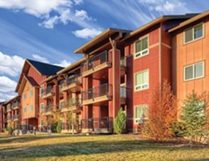 2 BD Deluxe Whyndham Steamboat Springs Condominium