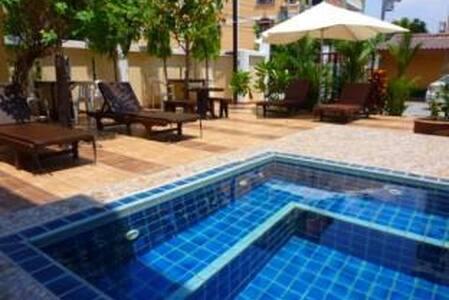 Chaba Garden Service Apartment - Muang Pattaya - Bed & Breakfast