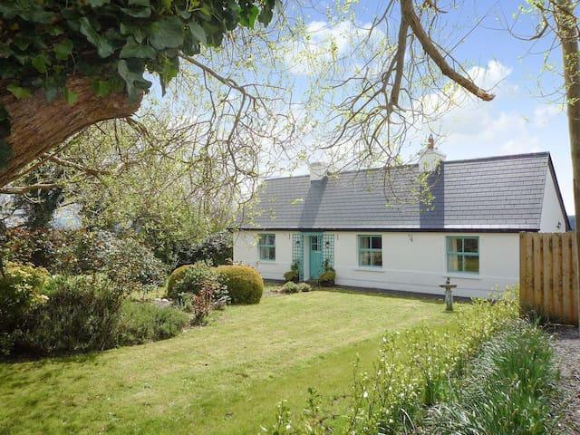 Fleur Cottage (YBBB)