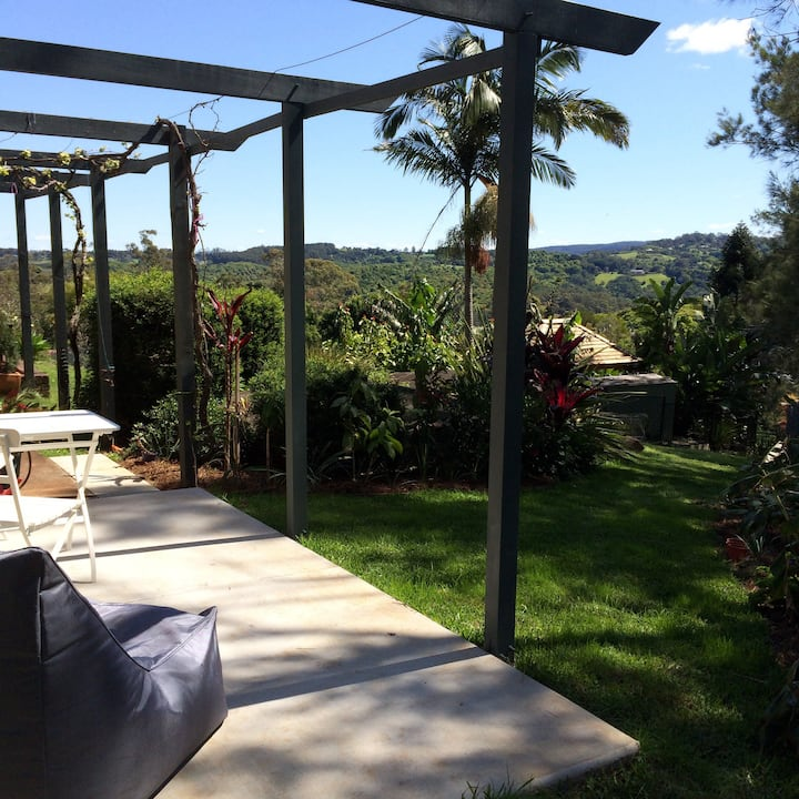 Byron hinterland , one bedroom cottage
