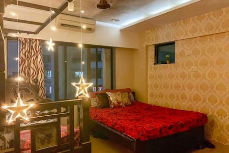 Couple friendly Pvt room in andheri est nr airport