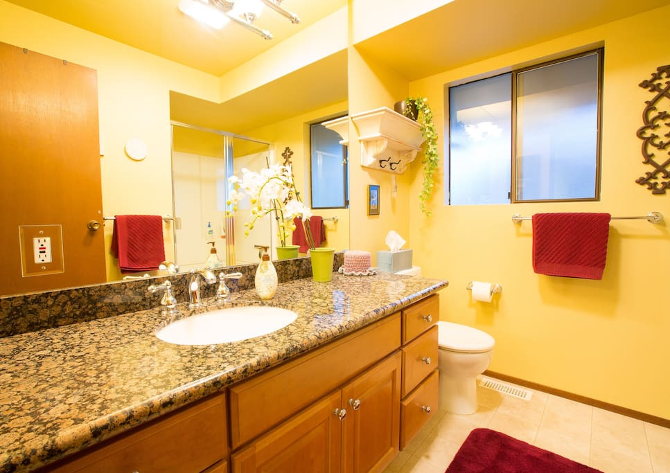 Private Room and Bath in Redmond
