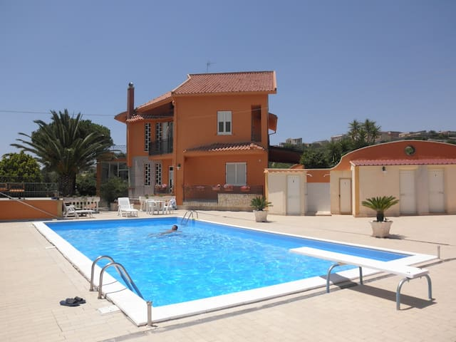 villa in campagna con piscina circo - Raffadali - Willa