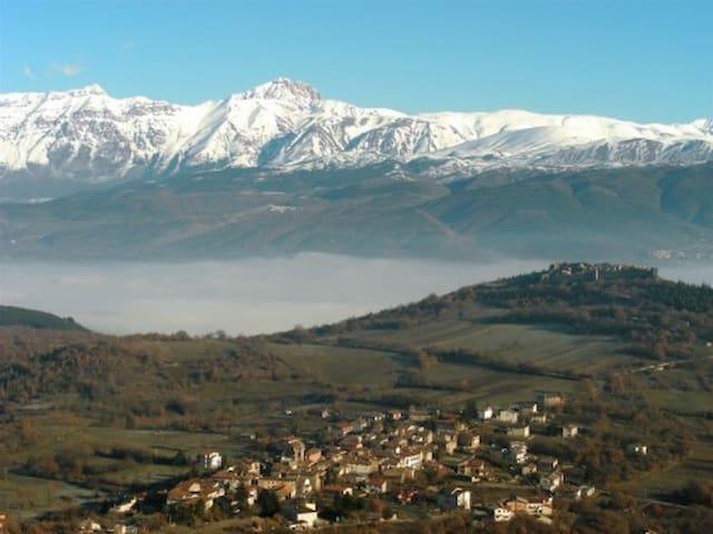 S.PANFILO D'OCRE, casa in montagna con terrazzo - San Panfilo D'ocre - House