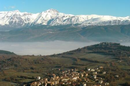 S.PANFILO D'OCRE, casa in montagna con terrazzo - San Panfilo D'ocre - 独立屋