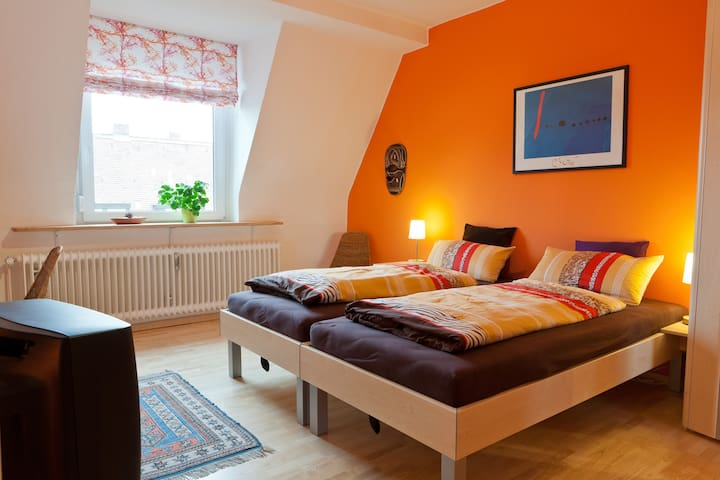 Comfortable and close to the city - Nürnberg - Aamiaismajoitus