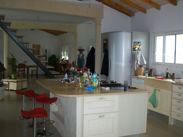 large room has the calm countryside - Sainte-Colombe-de-Villeneuve - Talo