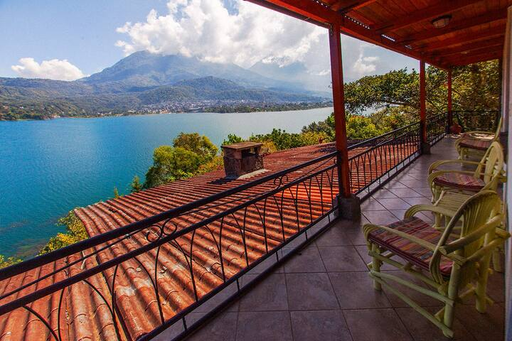 House on a volcano - amazing views! - Santiago Atitlán - House