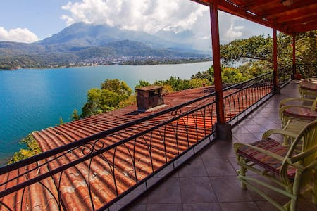 House on a volcano - amazing views! - Santiago Atitlán