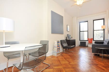 Large, Sunny Apartment for Rent - ニューヨーク