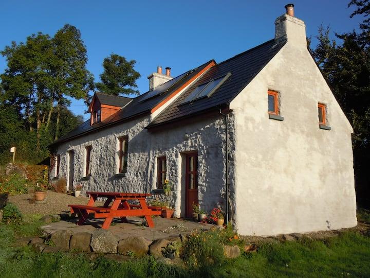 An Ti Glas, Eco Cottage on a farm