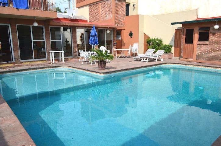 Casa Privada con Alberca y Jardin Cuernavaca!!!
