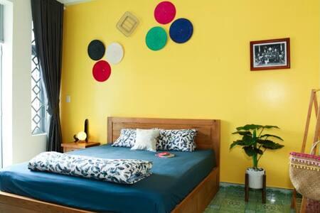 P9Cozy private room w private balcony near Airport