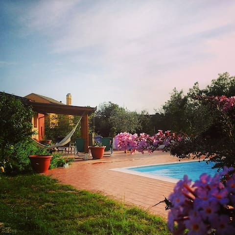 Tuscia countryside Villa with a pool close to Rome - Gallese - Hus