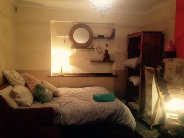 Cosy room near stamner park
