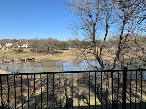 Luxury stay overlooking Mill Creek Golf Course