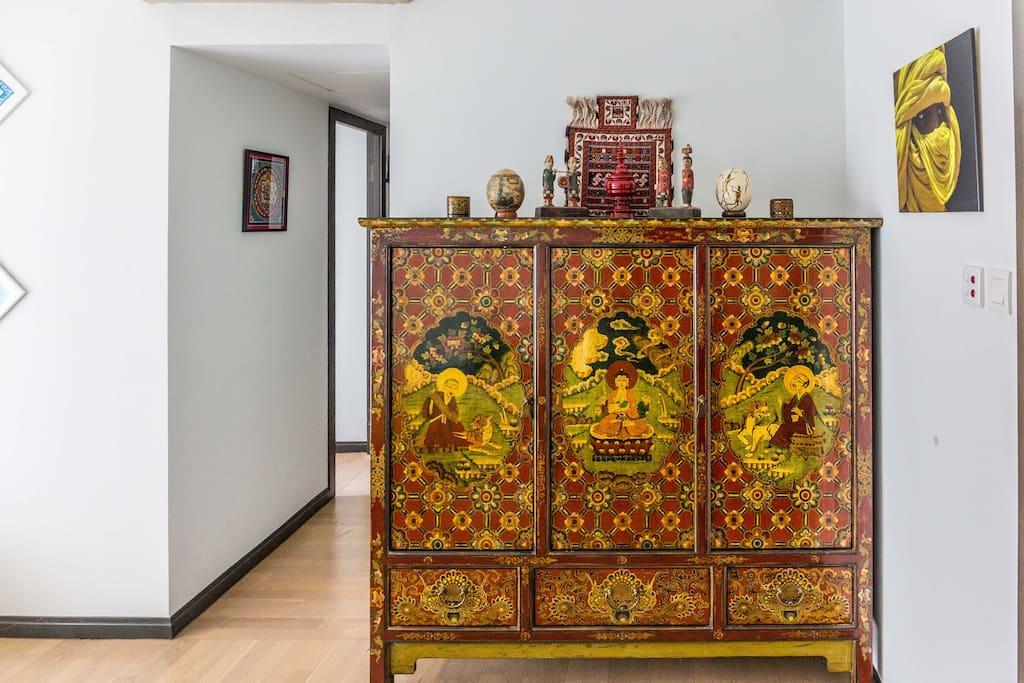 Living room Tibetan cabinet