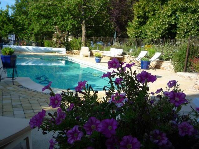 Chambre privée dans bastide - Malataverne - Guesthouse