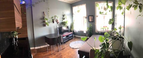 Room in Green Apartment with Office Near Riverside
