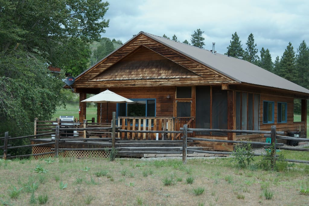 A bend in the river cabin cabins for rent in winthrop for Winthrop cabin rentals