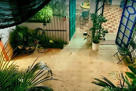 Bella Casona en el centro de Merida. / 1 block ADO - Mérida
