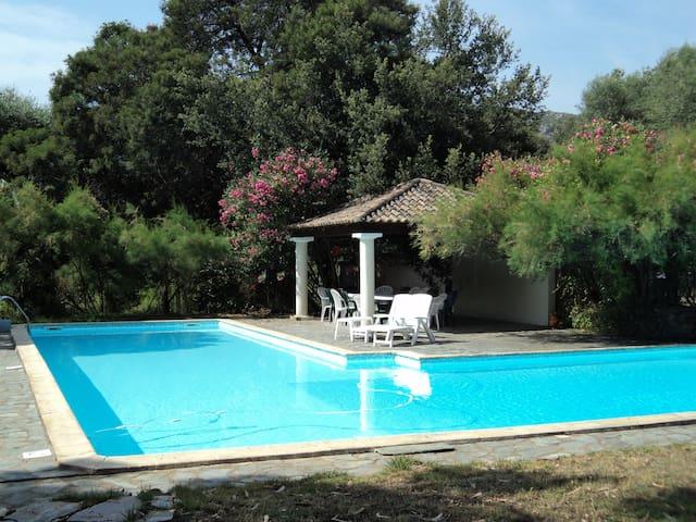 Casta - Agriate - Demeure avec piscine