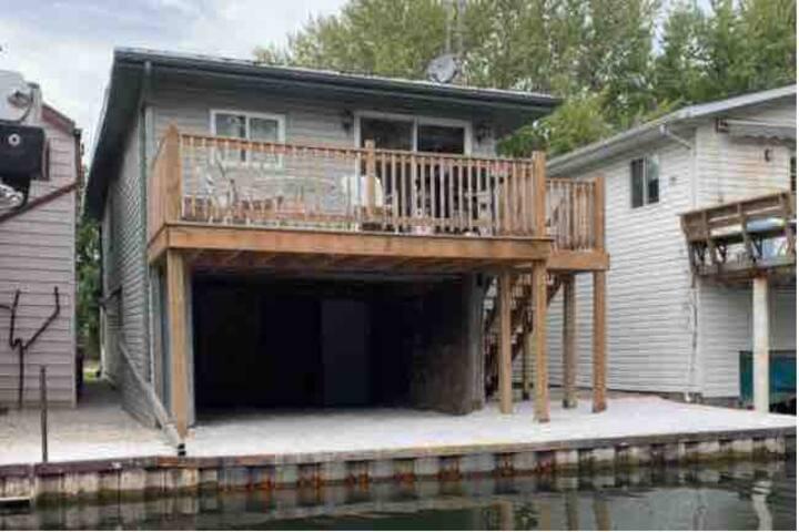 Mitchell's Bay- Hunter& Fisher Retreat
