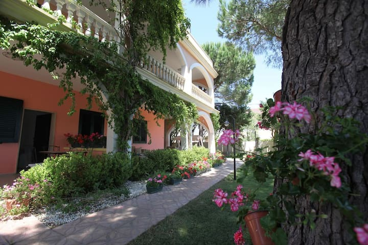 Apartment for 4, at 100 meters from the beach - Lendinuso - Apartamento