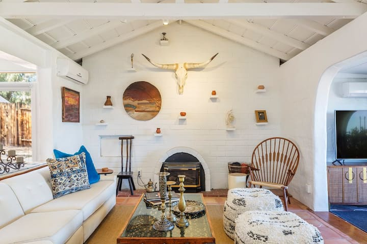 Casa de la Rosa - JTree Poolside Villa *Hot Tub*