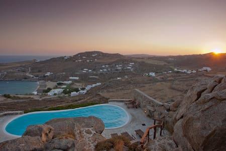 Luxury villa Super Paradise Mykonos
