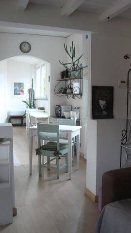 White newly refurbished of St. Luke - Subbiano - Apartment