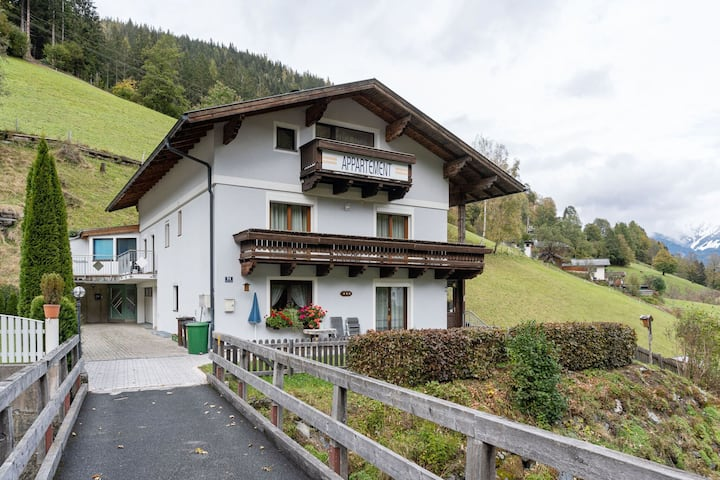 Stylish Apartment in Zell am See near Ski Area