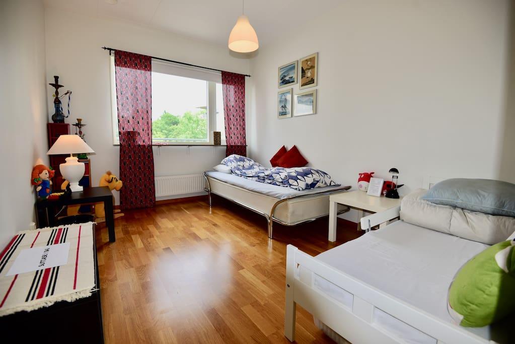 Bedroom 2 - single bed & junior bed (160cm)