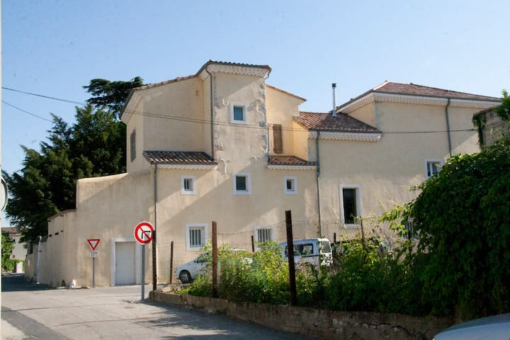 Maison Jeanne sur la Viarhôna