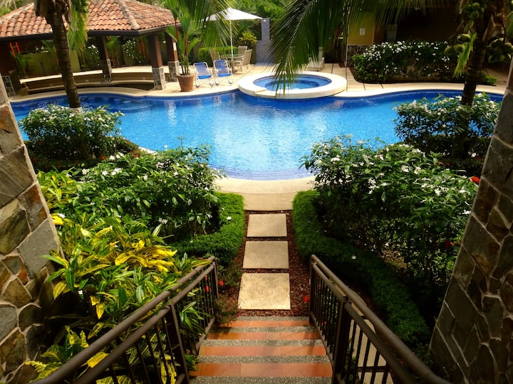 Affordable luxury in front of Los Sueños Resort