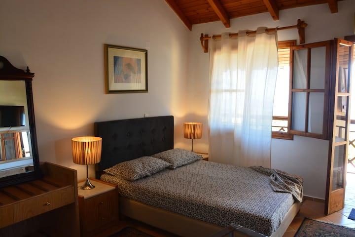 GreekSummer(1 bedroom house)