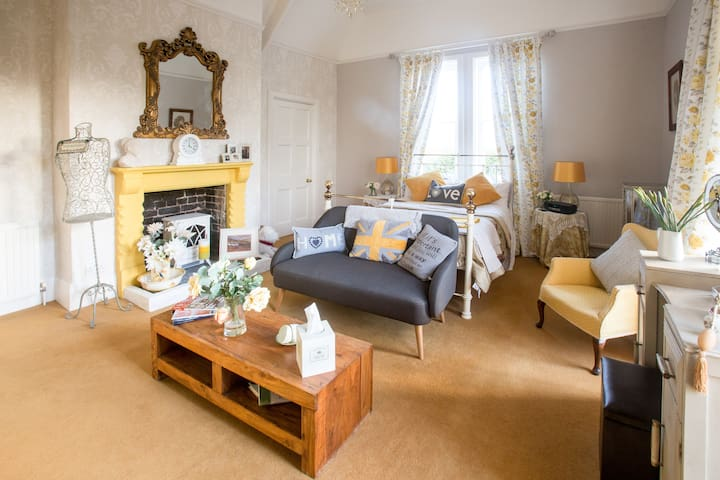 Luxury Manor House B&B - Elmswell - Bed & Breakfast