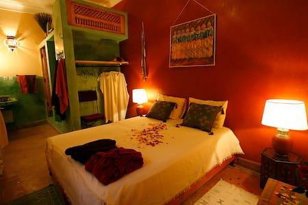 RIAD DALLA SANTA room VOLUBILIS - Marrakesh - Bed & Breakfast
