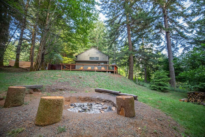 The TECH Studio at Treetop Lodge