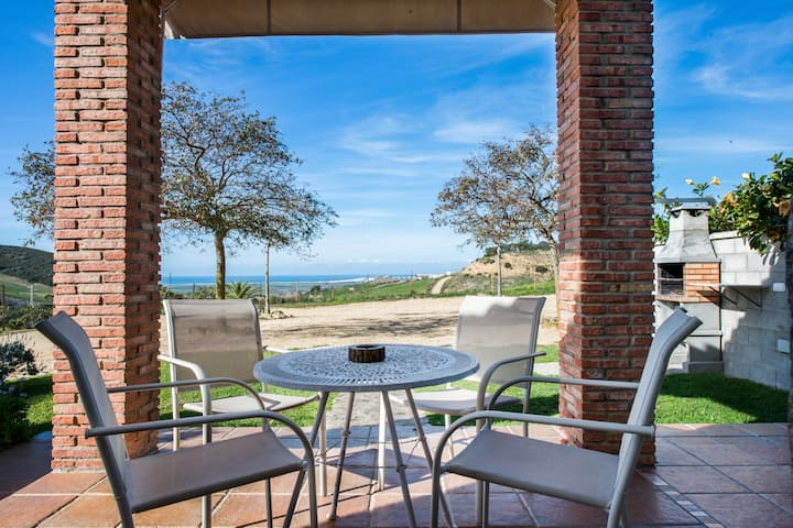 """Tranquil Home """"Casas Rurales El Mirador A"""" with a Shared Pool (open from April 1st to October 31st), Beautiful Views, Terrace & Wi-Fi; Parking Available"""