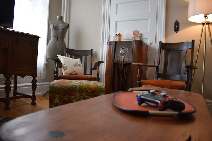 Historic Flat in Troy's Little Italy - Troy - Appartement