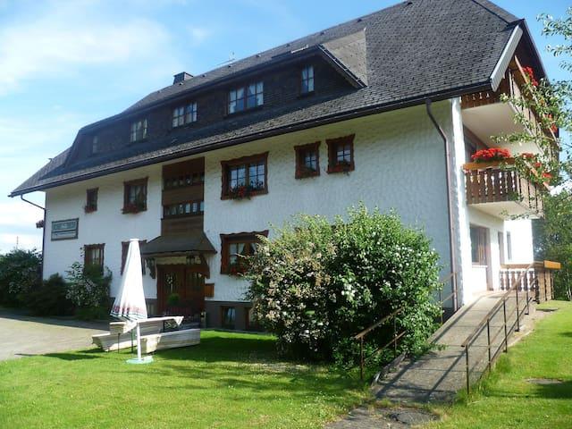 Gasthof Straub mit Ferienhaus Anita, (Lenzkirch-Kappel), Appartement für zwei Personen