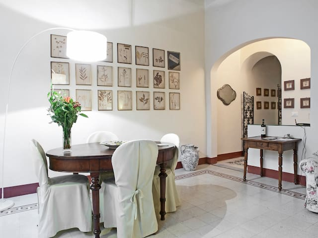 Centre Florence  charming apartment - Firenze - Leilighet