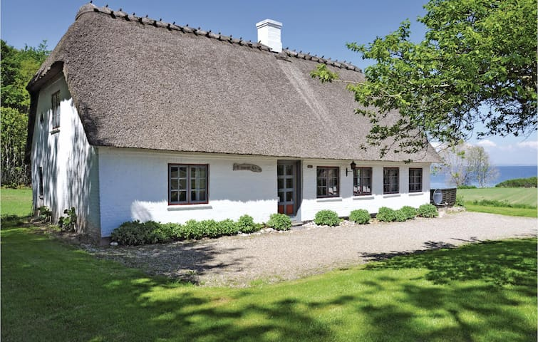 Holiday cottage with 3 bedrooms on 114 m² in Augustenborg