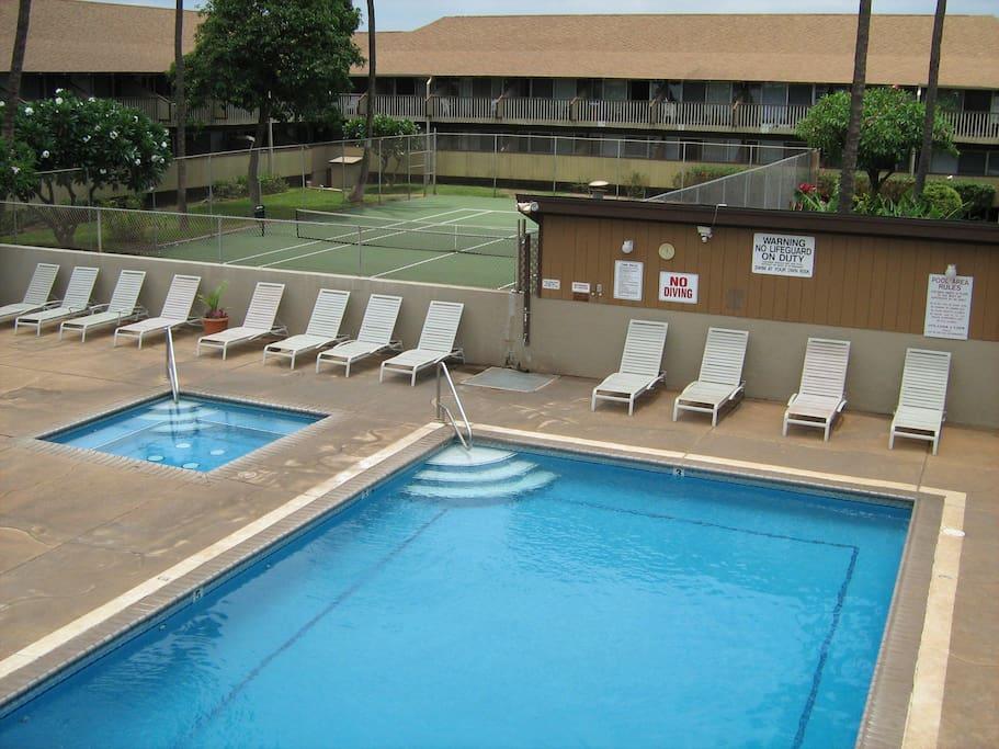 Pool, Jacuzzi, BBQ, Tennis Court